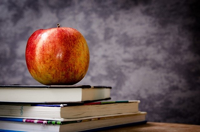 jablko na knize