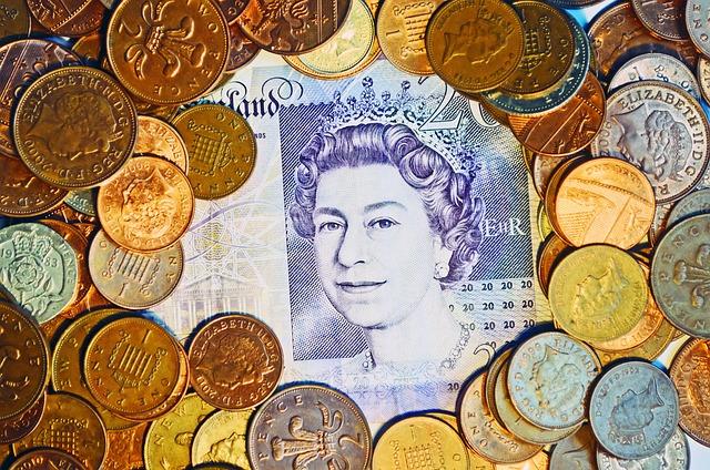 libry, mince, portrét královny